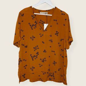 NEW InWear Sharon Blake Rust Floral V Neck Top